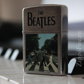 Zippo Brushed Chrome The Beatles Abbey Road Crossing Zippo Brushed Chrome The Beatles Abbey Road Crossing 28255